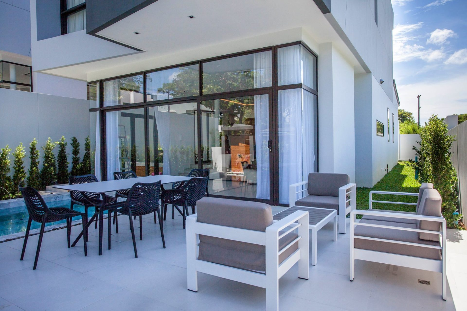 Phuket Real Estate Agency – Nai Harn Beach (20)