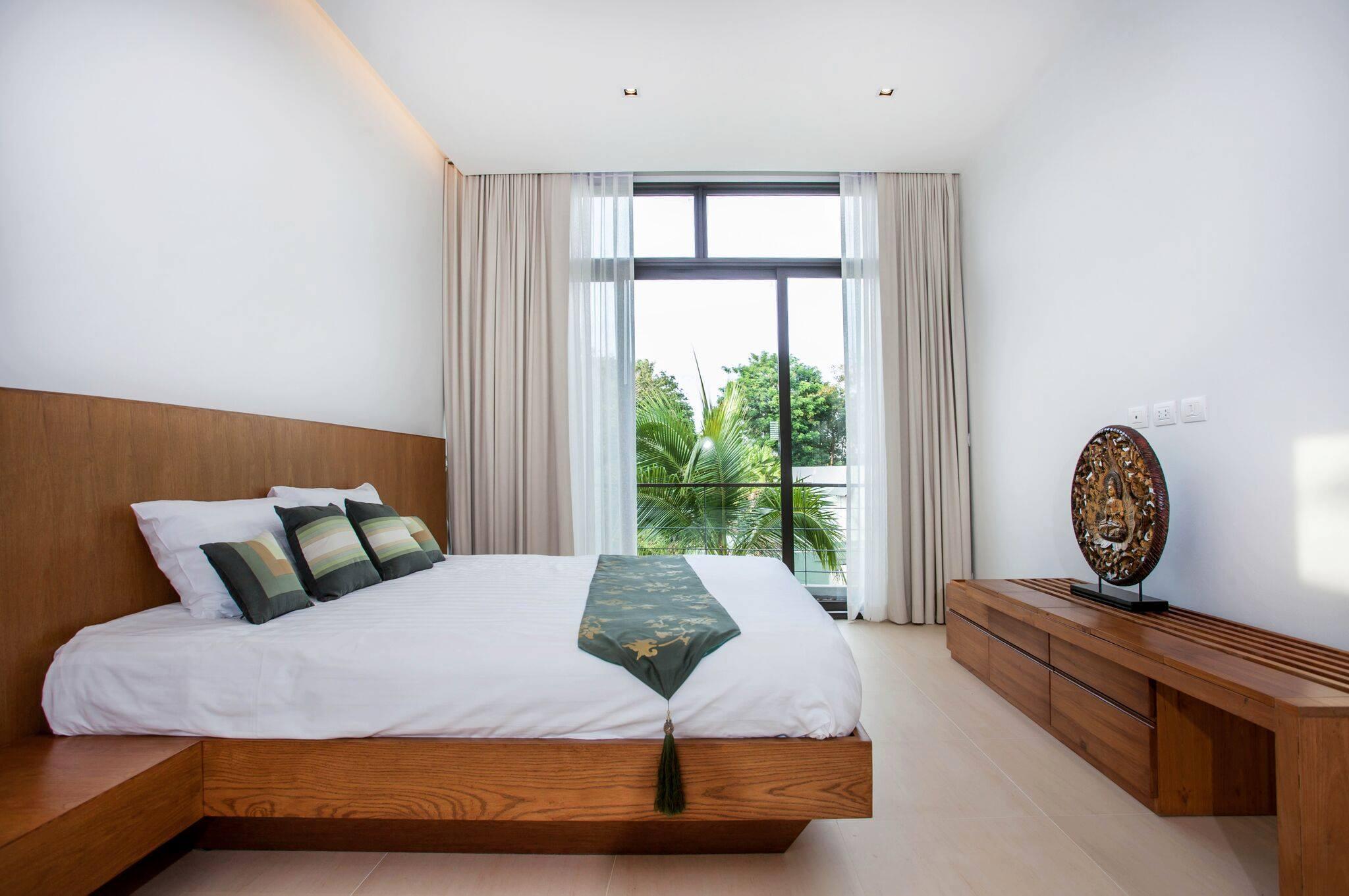Phuket Real Estate Agency – Nai Harn Beach (3)