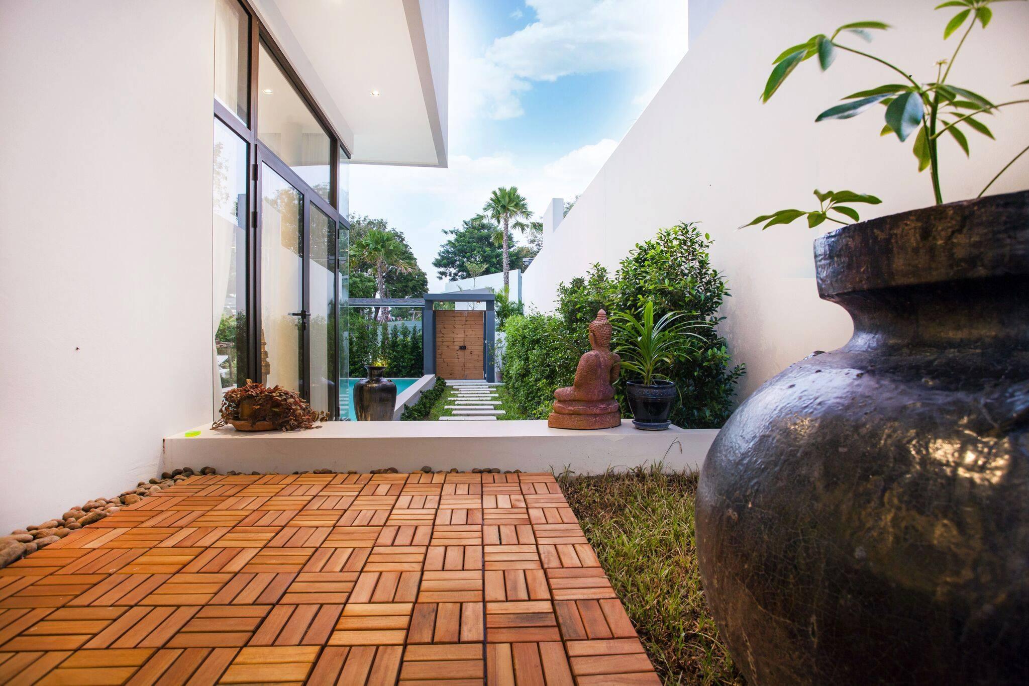 Phuket Real Estate Agency – Nai Harn Beach (39)